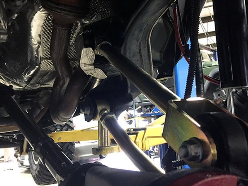 kit-completo-puntoni-regolabili-anteriori-e-posteriori-jeep-veicolo2